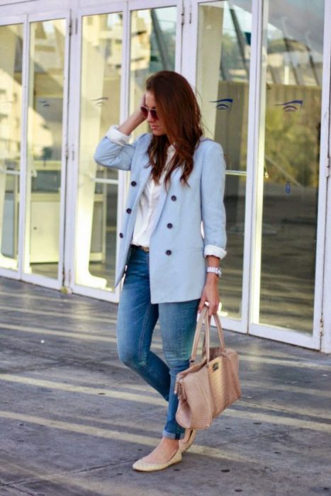 jeans con blazer celeste