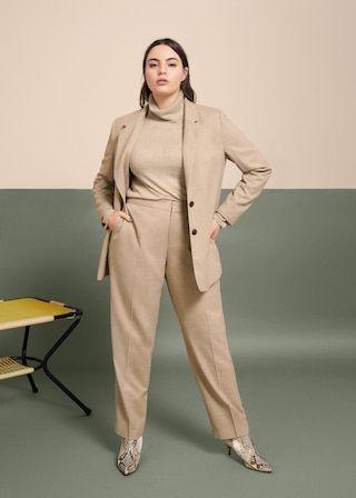 look formal mujer con traje en talle grande