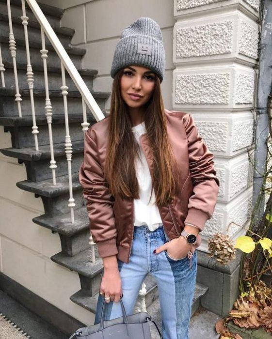 look moda con gorra de lana mujer
