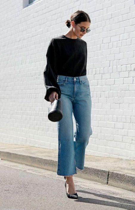 look semi formal con pantalones jeans anchos