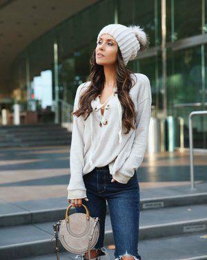 outfit con gorra de lana juvenil