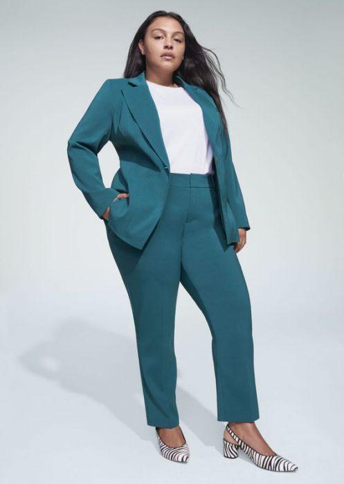 outfit con traje mujer en talle grande