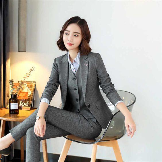 pantalon de vestir ajustado y blazer gris mujer