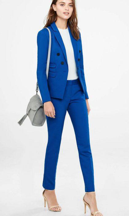 traje azul francia con pantalon chupin mujer
