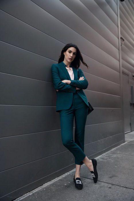 traje mujer juvenil