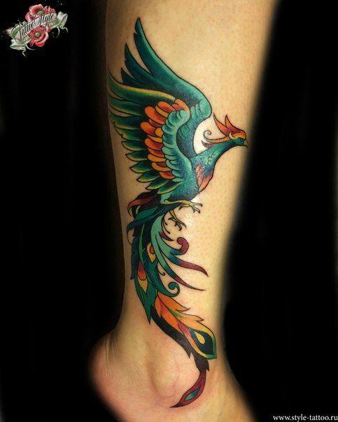 Tatuaje ave fenix colores oscuros