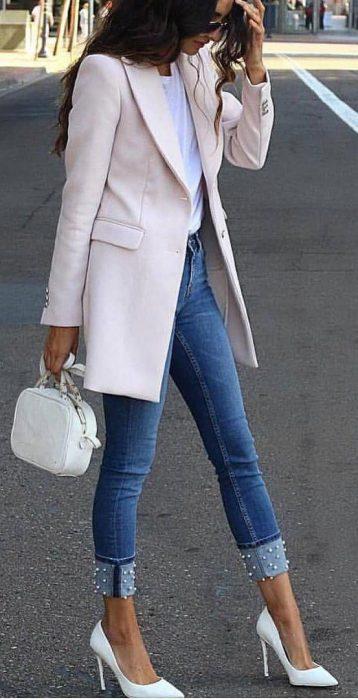 blazer y jeans oficina