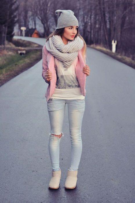 outfit invierno con jeans claro