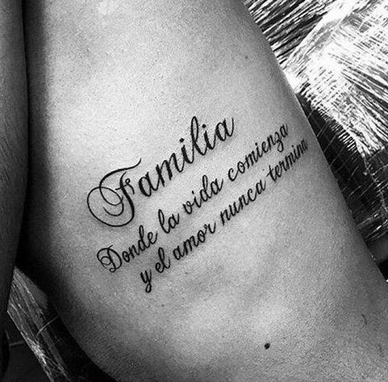 familia frase tatuaje