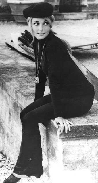 look con boina mujer anos 60