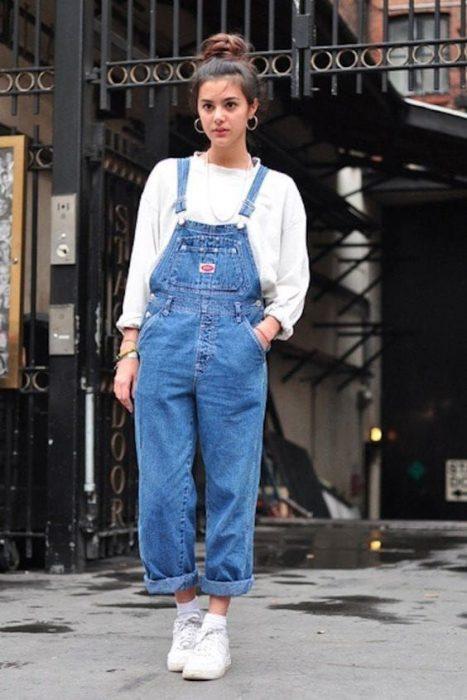 look con jardinero mujer moda de los 90 1