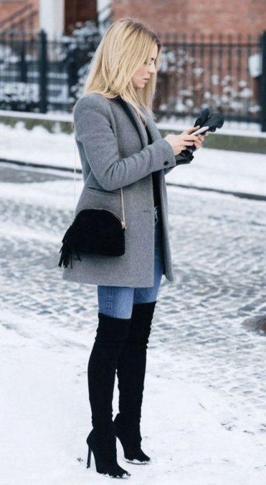 look formal con botas de cana Alta invierno