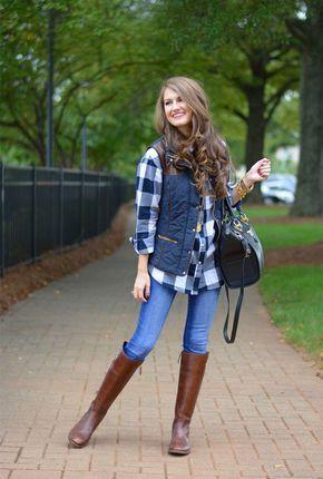 look informal camisa a cuadros y botas cana alta