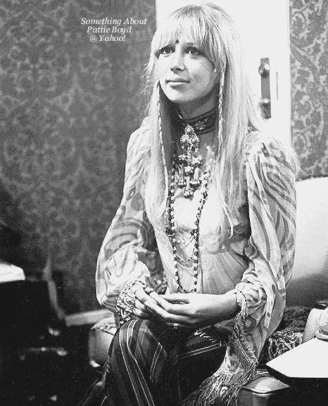 outfit hippie de los 60