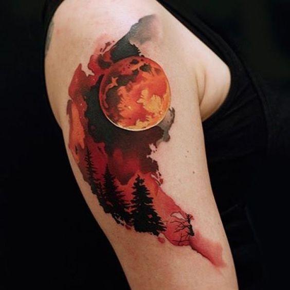 tatuaje luna roja