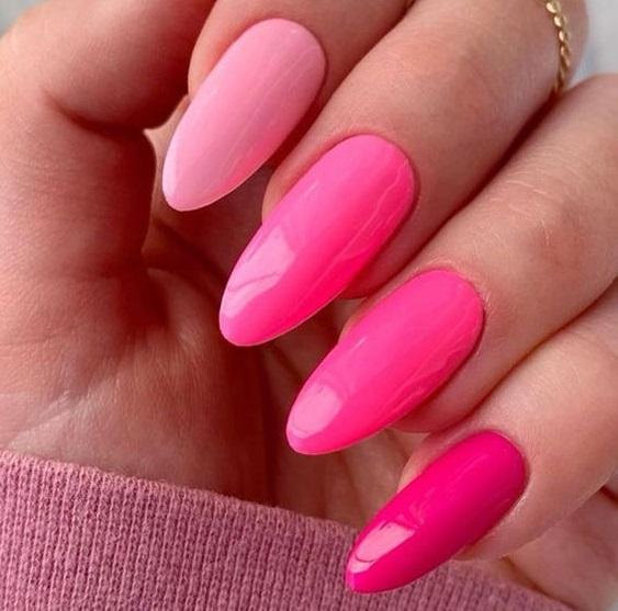 Unas color rosa moda verano 2022