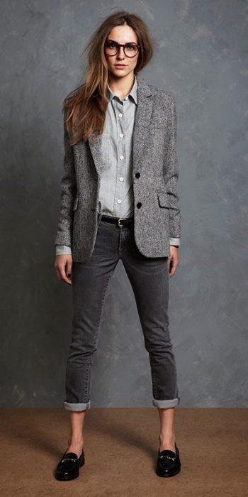 blazer y jeans