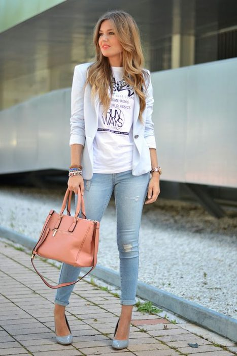 jeans chupin blazer y remera