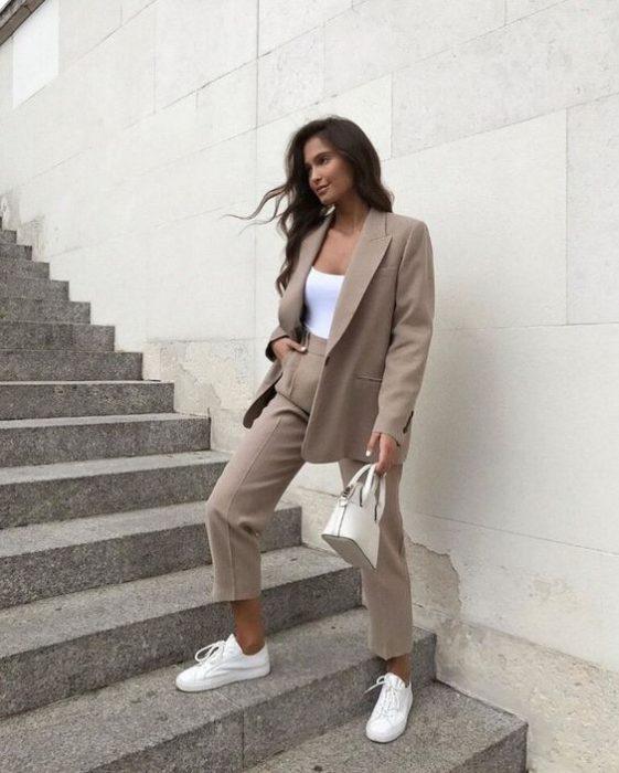 look moderno con blazer oversize