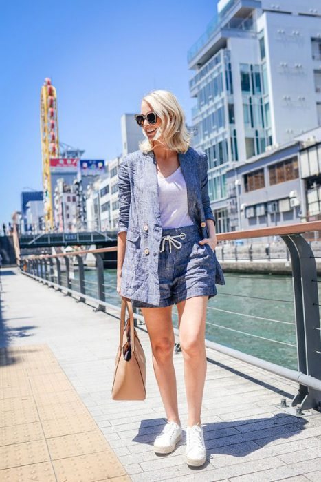 outfit informal con traje lino mujer short