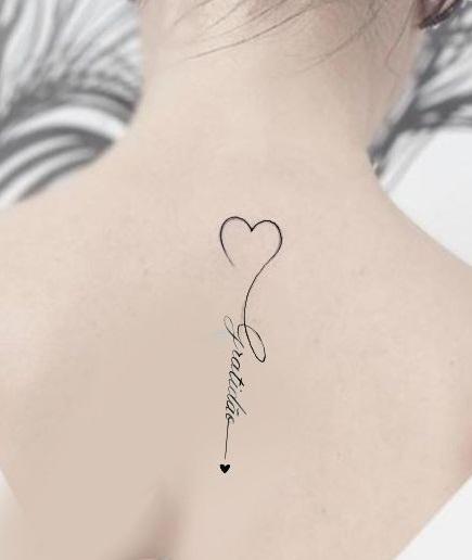 tatuaje corazon y nombres