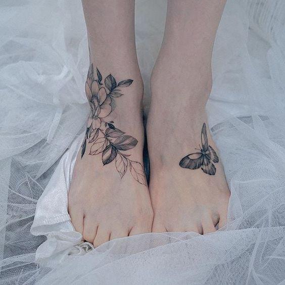 tatuaje grande pie tobillo