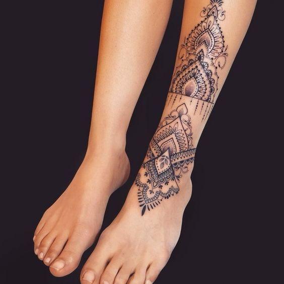 tatuajes grandes tobillos