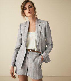 traje con short formal