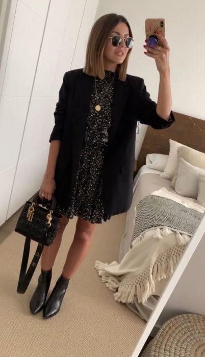 vestido corto con blazer largo