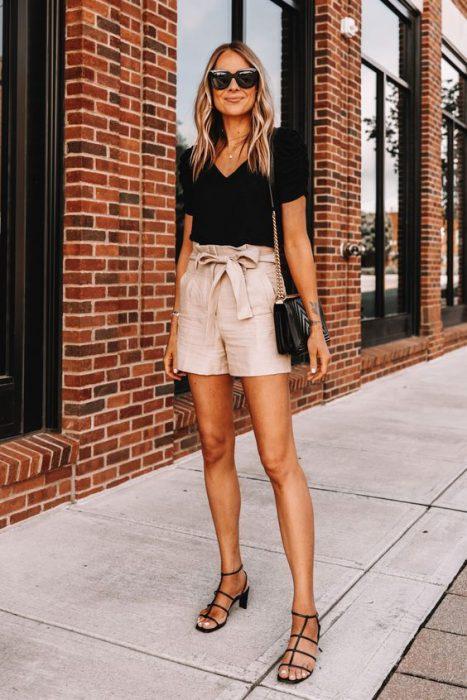 look semi formal con short beige
