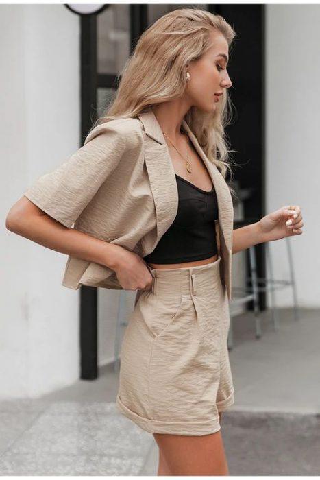 top short y blazer beige