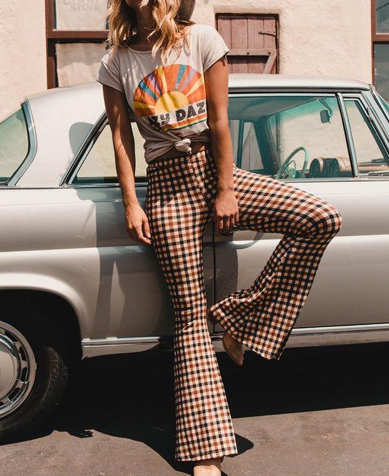 vintage remera estampada con pantalon a cuadros