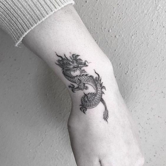 tatoo drgon chino pequeno
