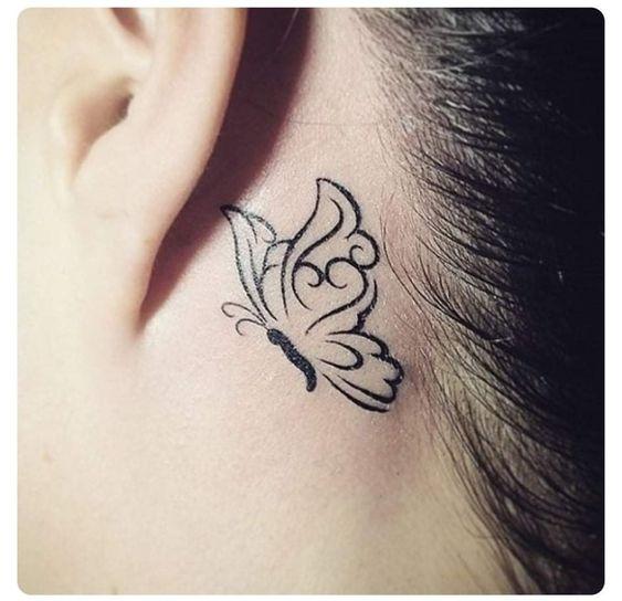 tatoo mariposa oreja