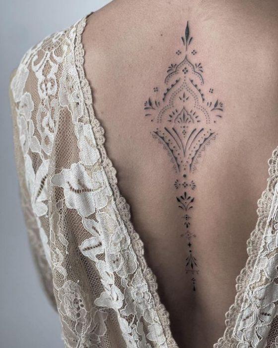 tatuaje columna