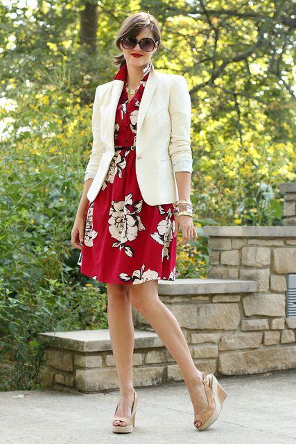 vestido informal y blazer