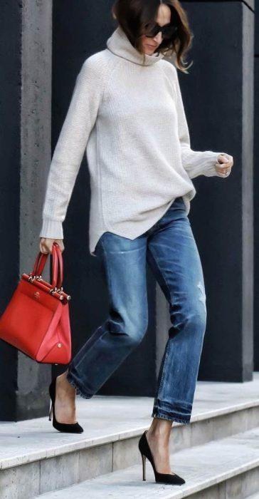 polera y jeans para ir a la oficina invierno